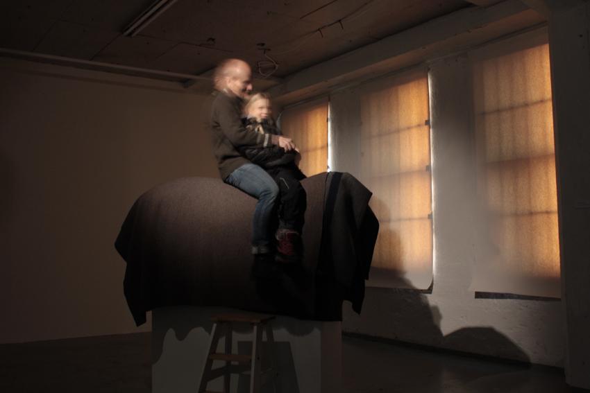 GalleriaHuuto_isa ja lapsi ratsastaa_p.jpg